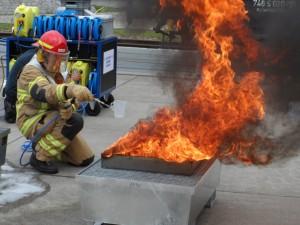 Brandbekämpfung mit Schaum