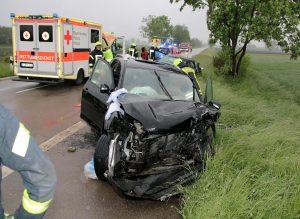 Verkehrsunfall_Guenzburg_Niederstotzingen_23052016_4