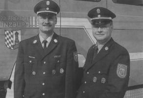 Bernhard Ziegler (rechts) wurde zum neuen Kommandanten der Günzburger Feuerwehr bestellt. Links sein Vorgänger Christian Eisele. Bild: Dieter März