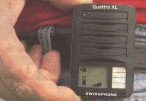 Wenn diese Gerät - ein Funkwecker - lospiepst, dann heißt es 'Einsatz für die Freiwillige Feuerwehr ...' Aber was ist, wenn jemand den Funkverkehr mithört? Bilder: Ulrich Wagner